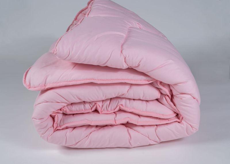 różowa kołdra zimowa